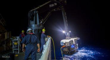 Buque oceanográfico de la NOAA en EEUU.