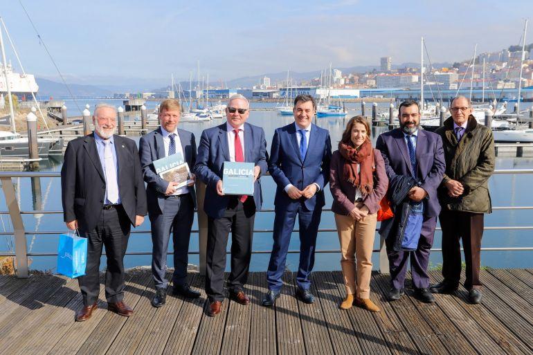 Visita de las autoridades de Cork al Puerto de Vigo.