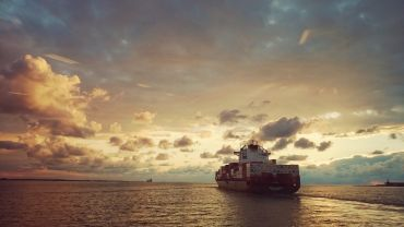 Shipping transporte marítimo